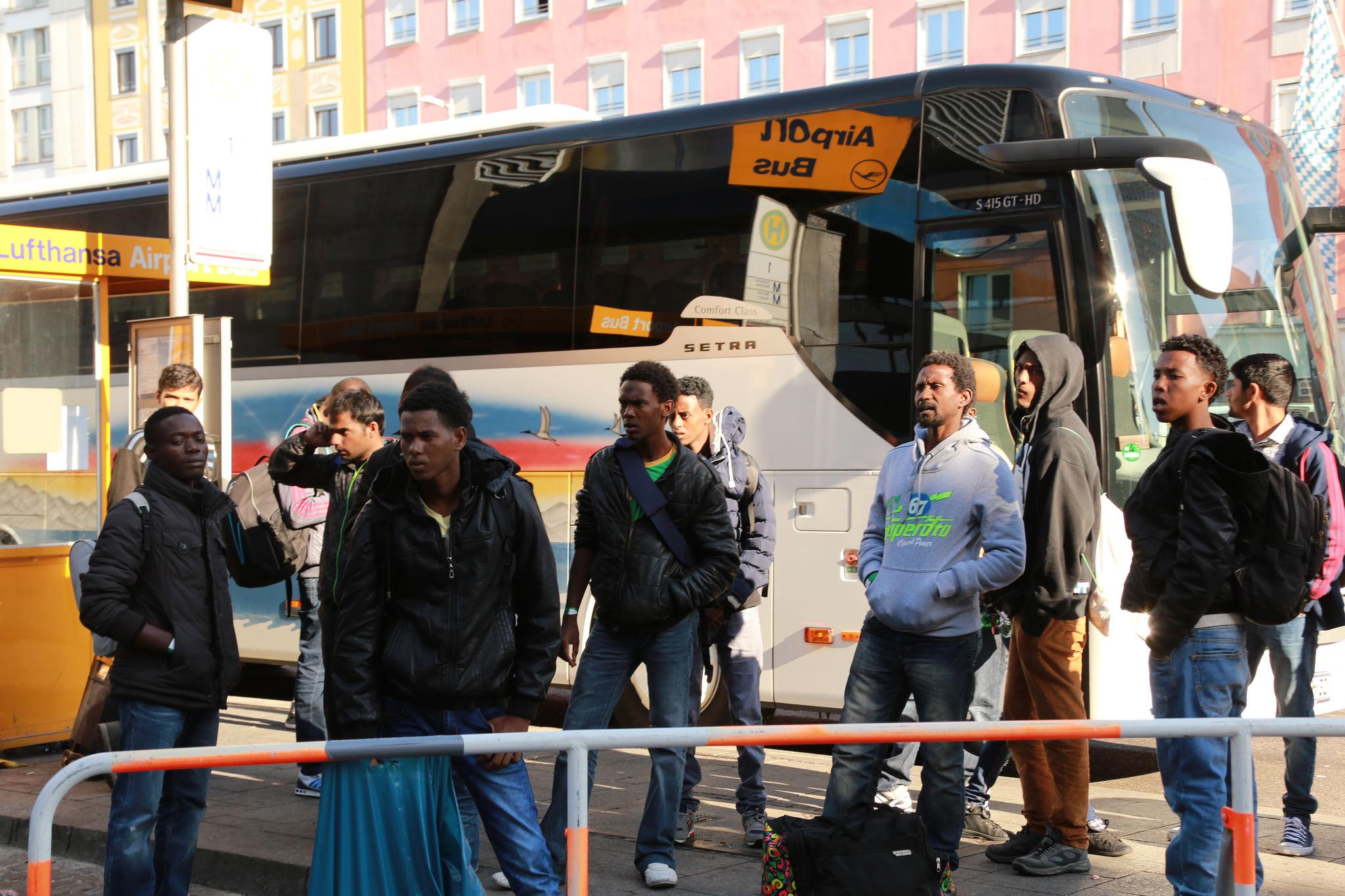 Deutschland und Österreich einigen sich zu Flüchtlingen an Grenze