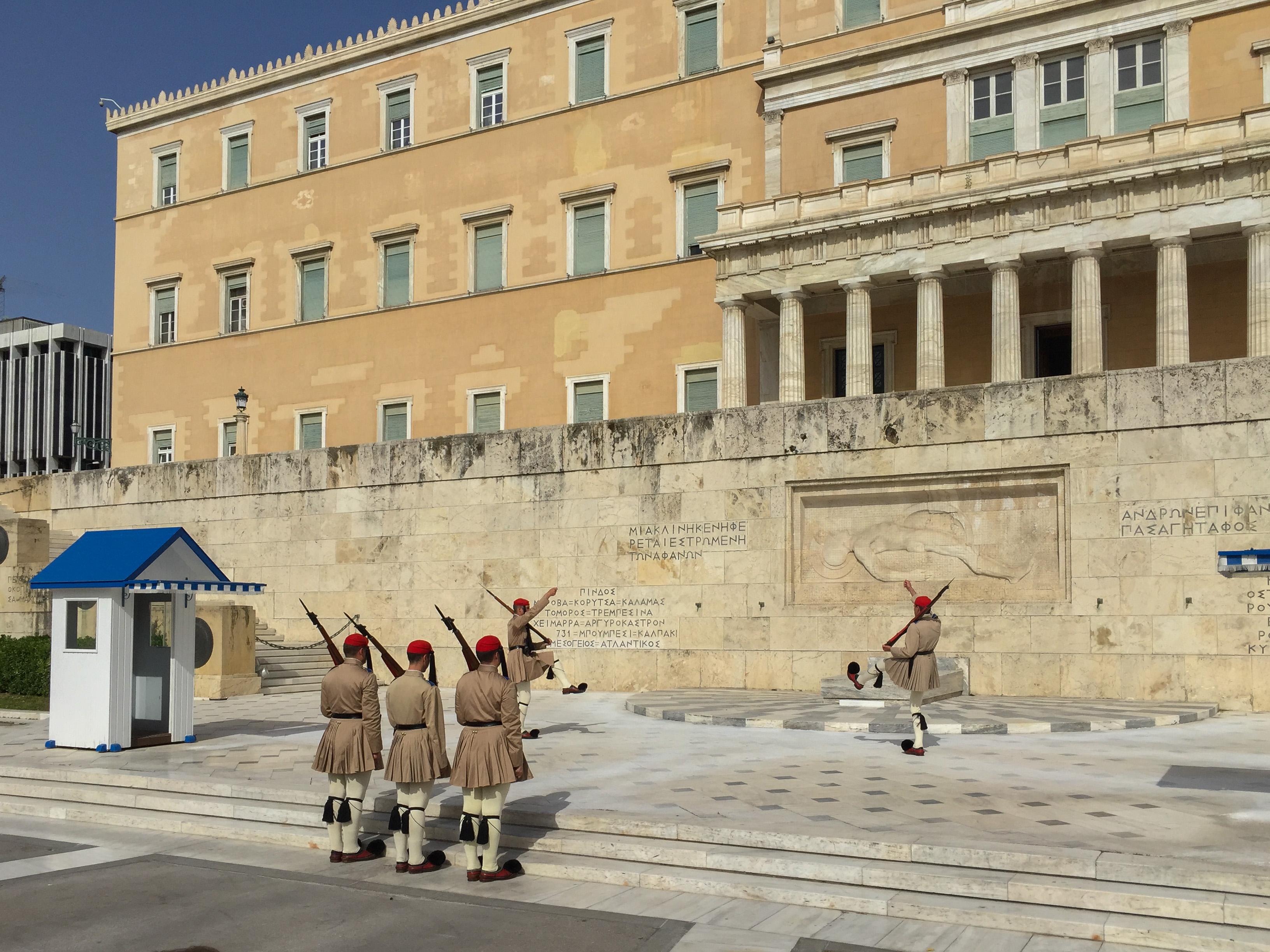 Die internationalen Gläubiger fordern von Griechenland Beschlagnahmungen von Immobilien.