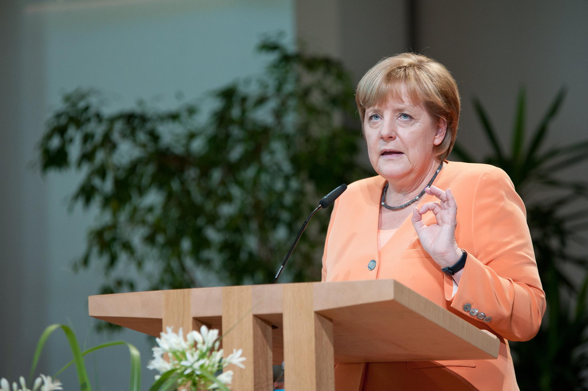 Angela Merkel und Francois Hollande haben eine engere Zusammenarbeit zur Stärkung der digitalen Wirtschaft vereinbart.