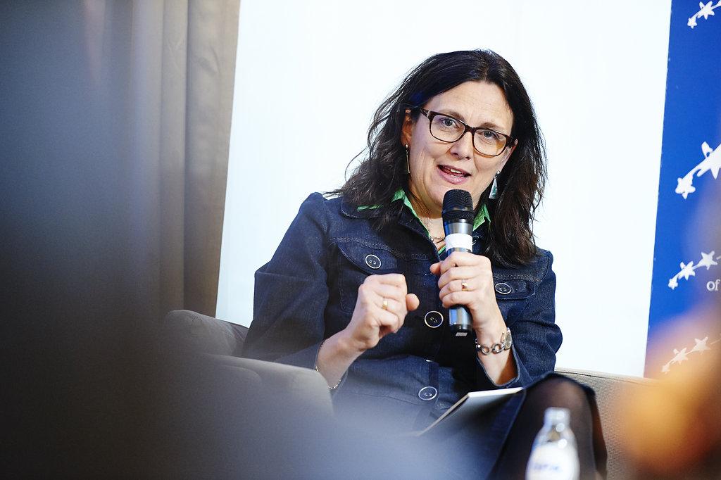 EU-Kommissarin Cecilia Malmström wirbt für die neue EU-Handelsstrategie und das Freihandelsabkommen TTIP: