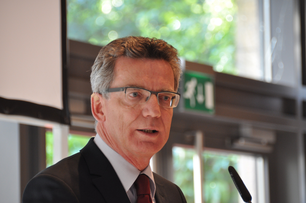 Bundesinnenminister Thomas de Maizière will Frontex an EU-Außengrenzen einsetzen.
