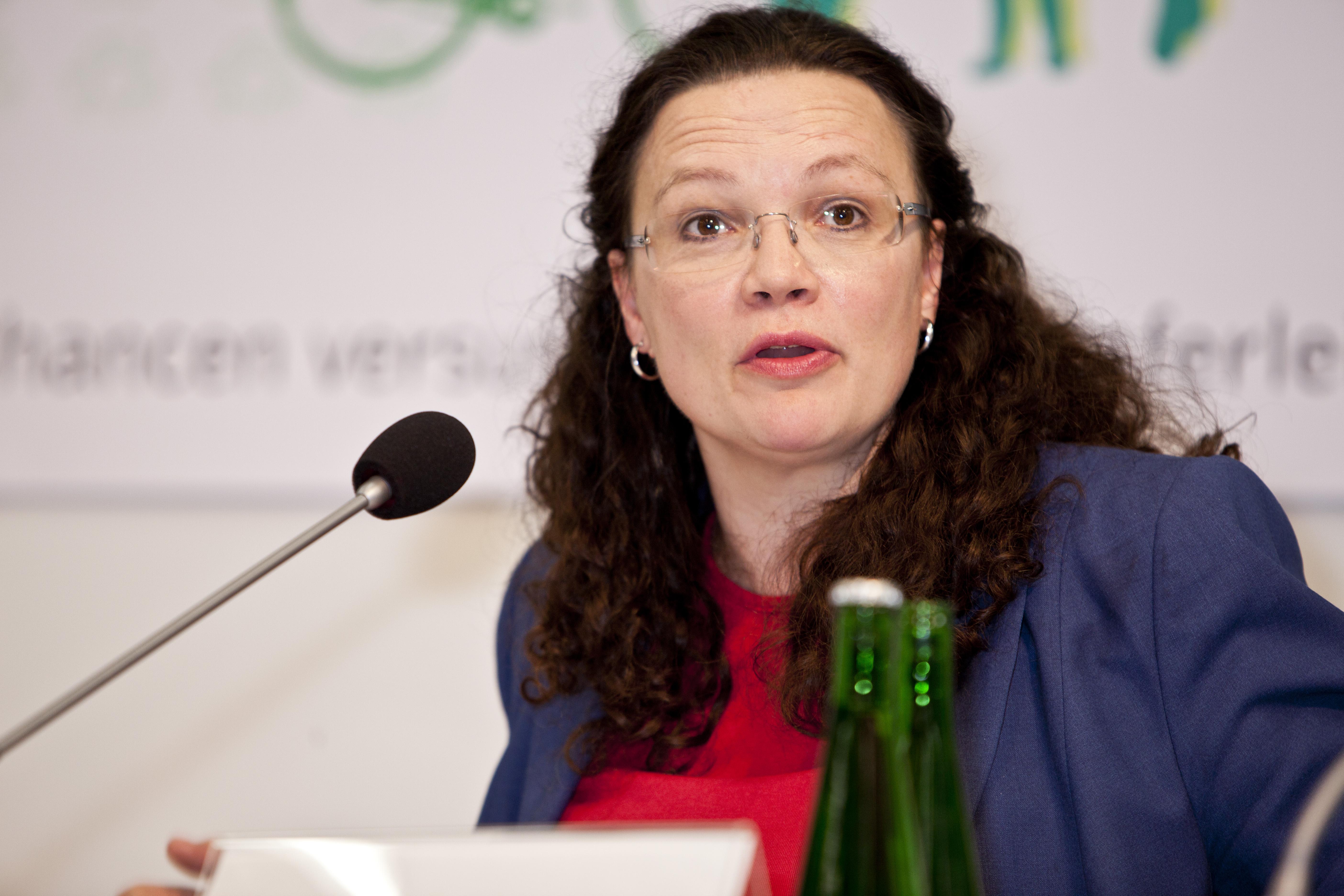 Andrea Nahles fordert mehr Mittel für die Integration von Flüchtlingen in den Arbeitsmarkt.