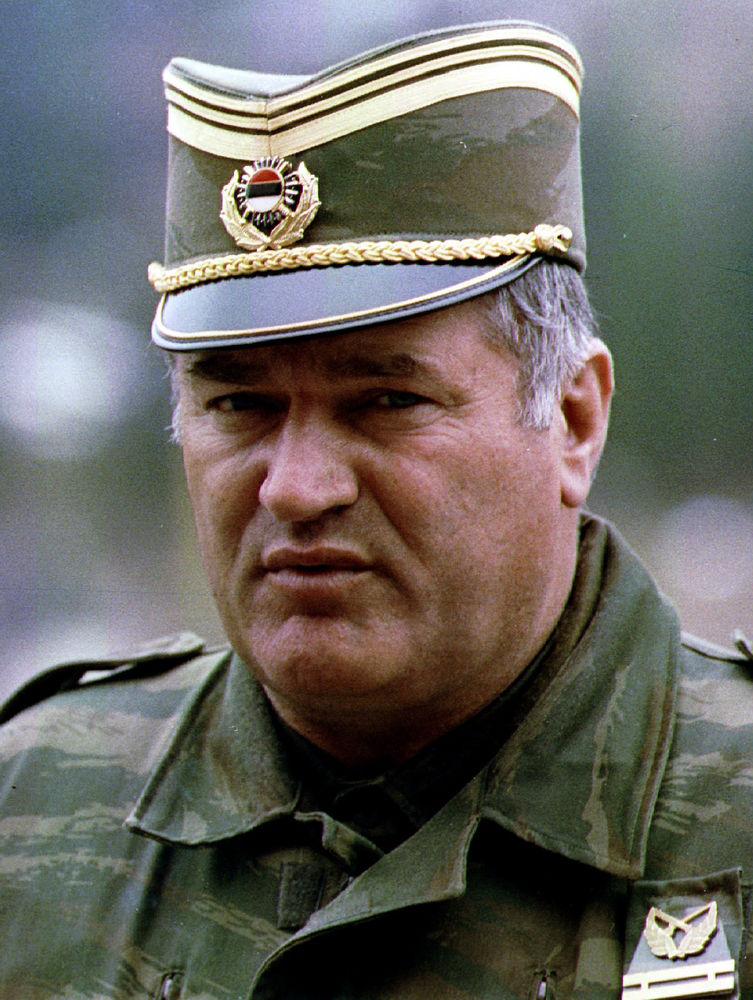 Mladic urteil h lt europa den spiegel seiner schw che vor for Spiegel urteil
