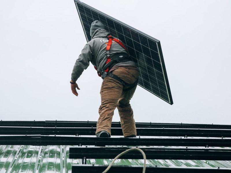 Im Jahr 2030 sollen erneuerbare Energien einen Anteil von (mindestens) 32 Prozent am Gesamtstrommix haben.