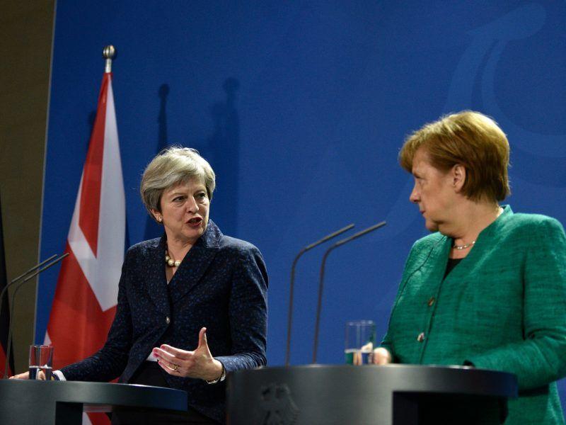 May präsentiert Brexit-Abkommen als Erfolg