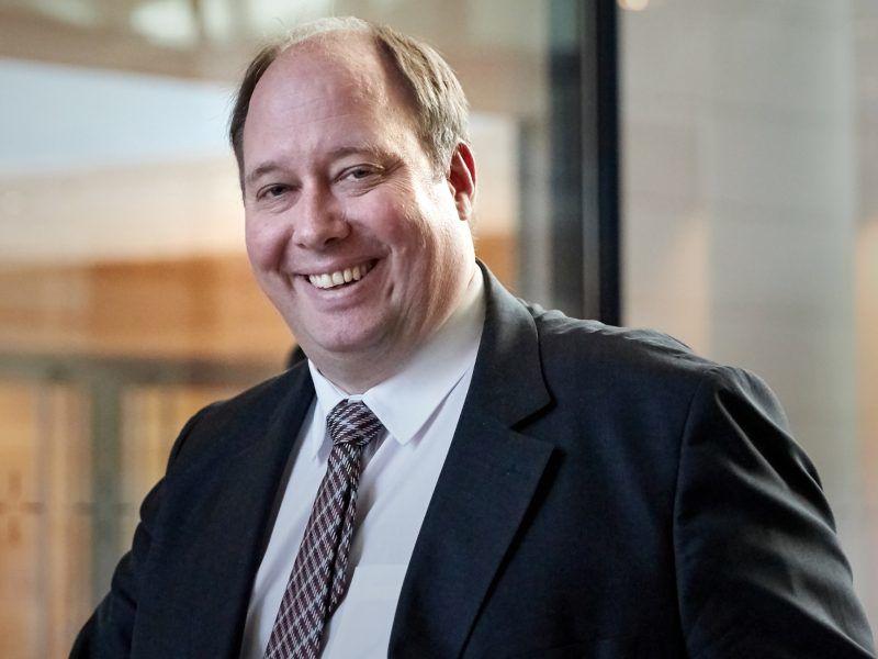 Kanzleramtsminister Helge Braun (CDU) über die Stimmung in der neuen Bundesregierung, Herausforderungen der Digitalisierung und den Pflegenotstand.