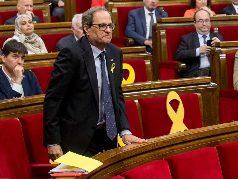 epaselect epa06731502 Catalan pro-independence party Junts Per Catalunya (JxCat)`s MP Quim Torra, new candidate for Catalan regional President, after the plenary session at Catalan Regional Parliament in Barcelona, Spain, 12 May 2018. Catalan regional Parliament held a plenary session to debate and voting of the investiture of Torra as new regional President. The investiture was rejected and Torra had to wait a second vote will be held on next 14 May when he would only need a simple majority to become in President. EPA-EFE/Quique Garcia