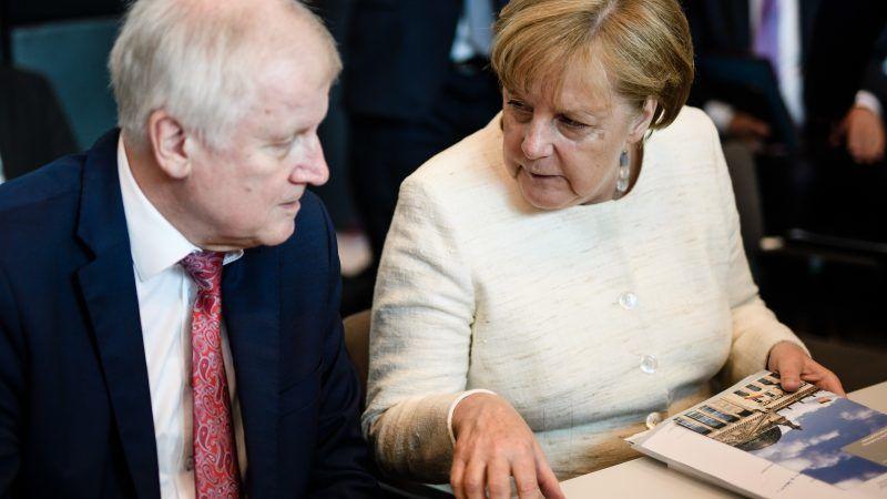 Merkel, Seehofer, Söder und Bouffier beraten über Asyl