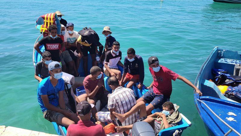Bootsflüchtlinge landen auf Lampedusa
