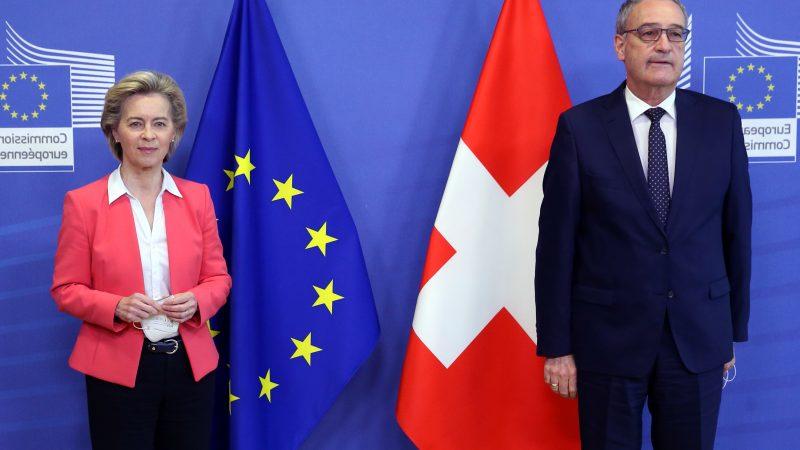 Guy Parmelin und Ursula von der Leyen im April 2021