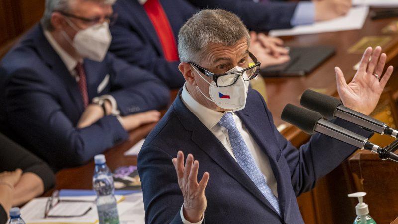 Andris Babis im Parlament